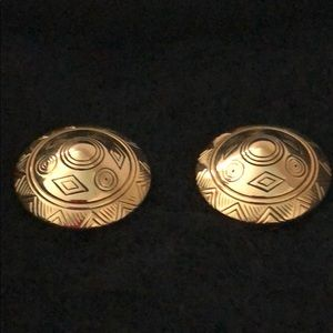 Jewelry - VINTAGE GOLD TONE GEOMETRIC DESIGN EARRINGS CLIP